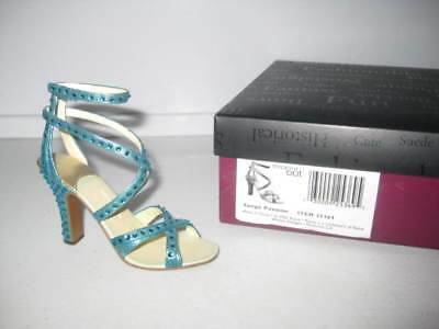 Just the Right Shoe by Raine Tango Passion 25369 Complete COA Willitts