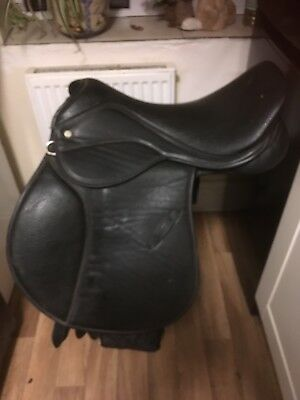 """16.5"""" Wide To Extra Wide Saddle"""