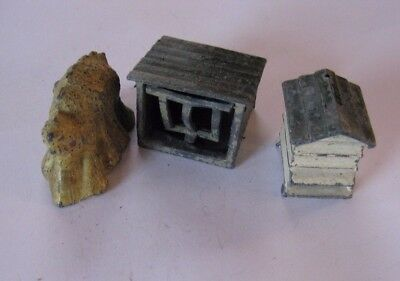 BRITAINS/or other. Farm/Garden series. Rabbit Hutch, Bee Hive and Straw