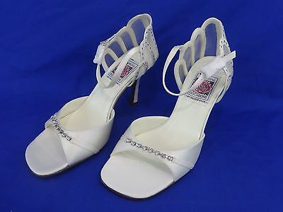 NEW Special Occasions by Saugus Shoe EMMY - 49077 Lt. Ivory Silk Size: 5 B