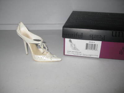 Just the Right Shoe by Raine Love and Cherish 802815 Complete COA Department 56