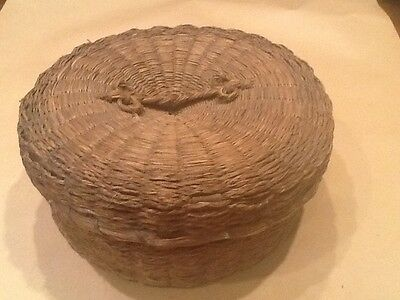 Woven Sewing Basket with Lid and Lining Vintage