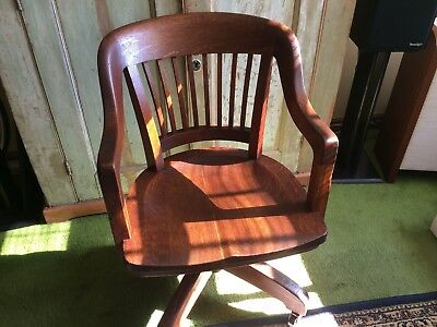 Milwaukee Chair Co. Bankers Chair, 1920s, great shape, new ball bearing casters