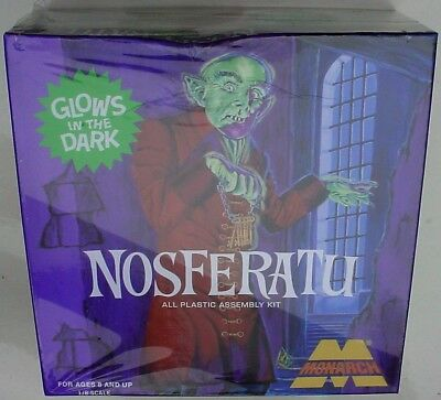 Monarch 1/8 NOSFERATU Complete Builder Missing Only Extra Glow Parts, Dented Box