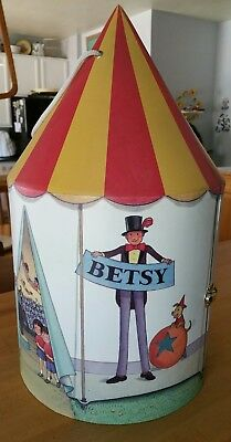 Tonner Tiny Betsy Mccall Big Top Circus Trunk + Clown & Trapeze Outfit,Nosey Dog