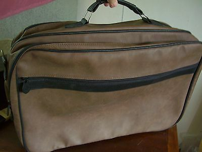 Fabulous FAUX  Leather Weekend / Travel / Holdall / Bag