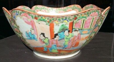 """ANTIQUE 19th CENTURY CHINESE FAMILLE ROSE PORCELAIN BOWL 10"""" Dia. SCALLOPED EDGE"""