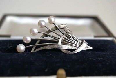 Fine Vintage Stamped Mikimoto Sterling Silver Cultured Akoya Pearl Brooch 5X3 Cm