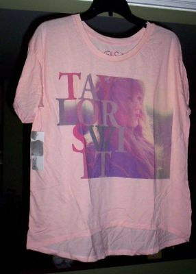 (500) TAYLOR SWIFT Concert T-Shirt  Size Small   Wholesale Lot   $25 each retail