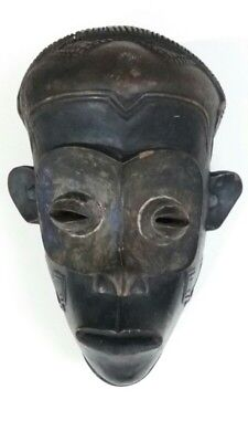 AFRICAN MASK CARVED WOOD  DEMOCRATIC REPUBLIC OF CONGO . Very old african mask.
