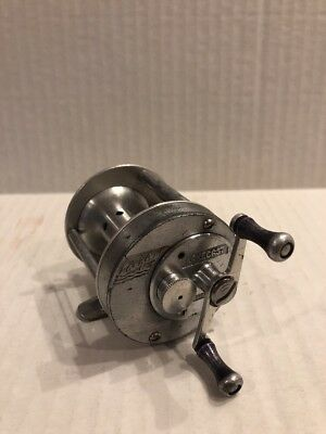 Vintage Langley Lakecast model 350 fishing reel Casting, Fishing, Bait caster