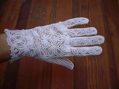 Vintage White Crocheted Lace Gloves MINT size 7