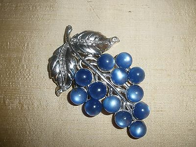 Large Vintage Blue Luster Grape Cluster Fur/Dress Clip Rhinestones Silver Tone