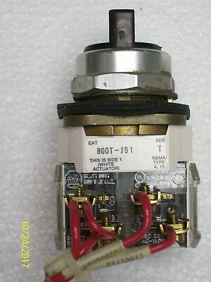 ALLEN BRADLEY 800T-J91 Selector Switch, Momentary ON-OFF