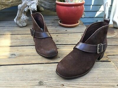 c8e00970382 UGG AUSTRALIA WOMEN'S Wright Belted Booties Boot Shoes Sz 9.5 ...