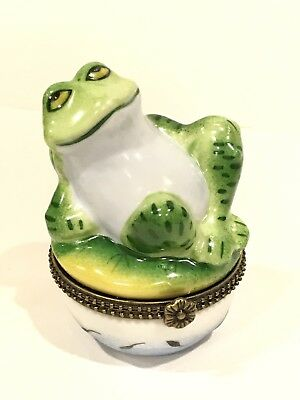NIB Happy Green Frog Porcelain Trinket Box