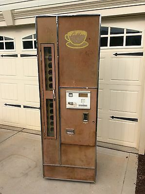SUNDROP GOLDEN COLA Vendorlator Drink Vending Machine - Sun Drop