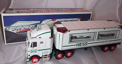 HESS Toy Truck and 2 Racers 1997 BOX