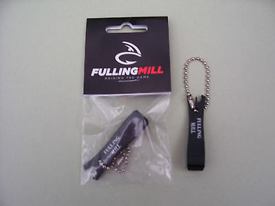 Fulling Mill Deluxe Nippers With Built-in Pin for clearing hook eyes.