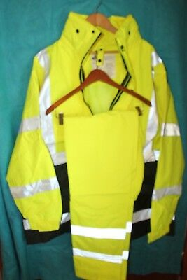 CONCERN FOR SAFETY Reflective Safety Rain Gear Jacket Pants Combo ... 59d4b3e2929