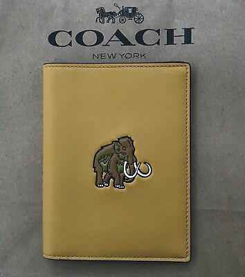 Rare!Coach Beast Passport Holder Case Wallet Glovetanned Leather 55470 Flax NEW