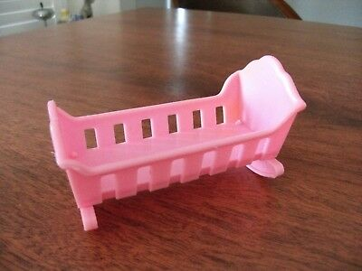 Vintage 1974 pink baby cradle Barbie dream house Mattel made in Taiwan