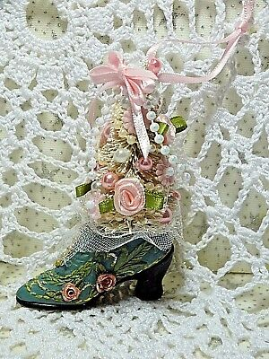 Shabby Christmas Cottage Chic Victorian Style Shoe Ornament Bottle Brush Tree