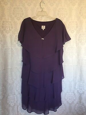 Mother of the bride, Patra, size 18, chiffon polyester, purple fluted v-neck dre