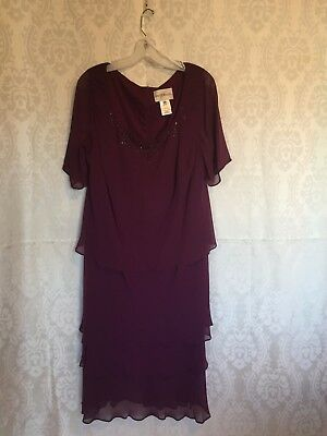 Mother of the bride dress from Davids Bridal, eggplant, size 18, great condition