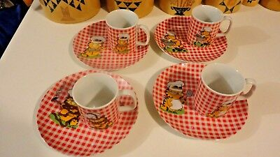 Vintage Garfield 1978 Matching Plates and Cups Cookout Barbecue 4 Cups 4 Plates