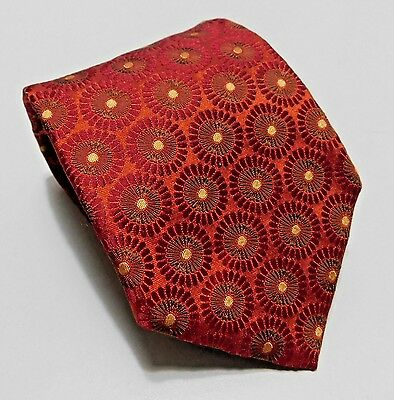 Hugo Boss Designer 100% Silk Neck Tie Made in Italy Red Suburst Pattern Necktie
