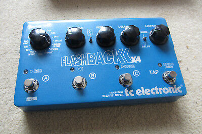 TC Electronic Flashback X4 Multi Delay/Echo mit Tap-Funktion in gutem Zustand