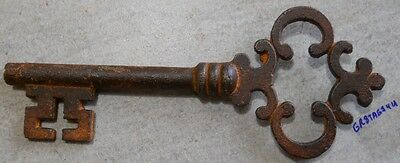 "Old Style Skeleton Victorian 6"" long iron key"