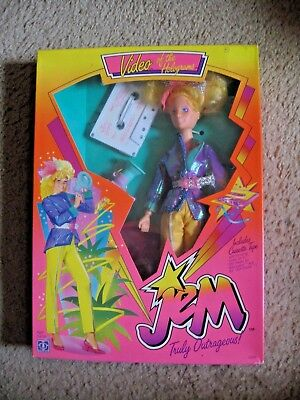 HASBRO JEM & THE HOLOGRAMS Vintage VIDEO DOLL with Video NFRB