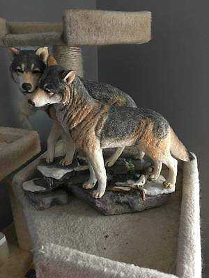 Large Wolf resin Figurine Eternal Love by Country Artists