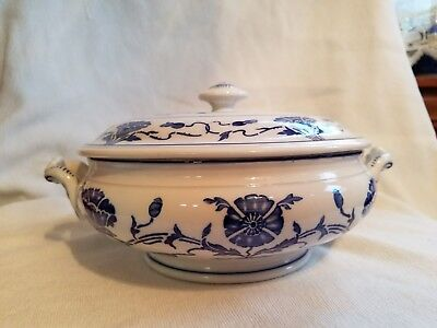 Antique Villeroy and Boch covered casserole Dresden Saxony blue flora print
