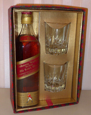 Älterer Johnnie Walker Red Label Old Scotch Whisky mit 2 Gläsern im Karton