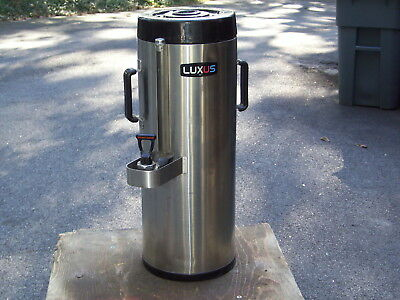 FETCO Luxus Stainless Steel Thermoproved Dispenser