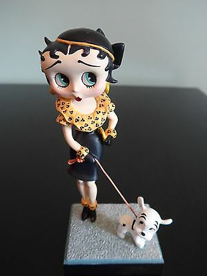 Betty Boop Pudgy Danbury Mint Out for a Stroll Collector Figurine