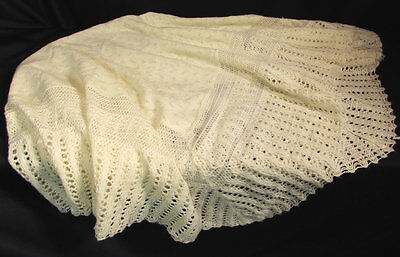 Vintage 1970s Baby Christening Blanket 36 x 40 Inches