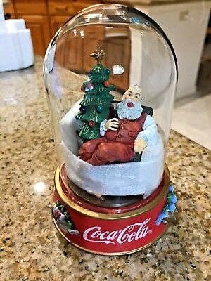 Franklin Mint Coca-Cola Santa Figurine The Pause That Refreshes Glass Dome 1996