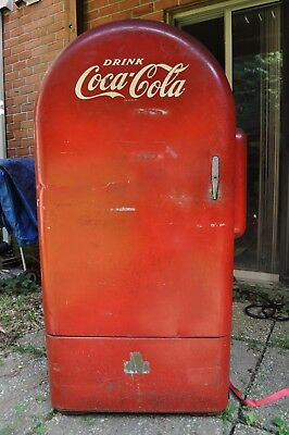 Vintage Jacobs 26 Coca Cola Soda Vending Machine