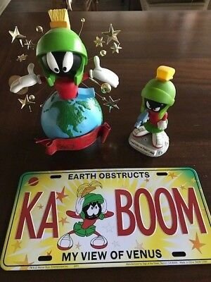 Looney Tunes Marvin the Martian Lot - Tree Topper, Funko Bobbler,  License plate