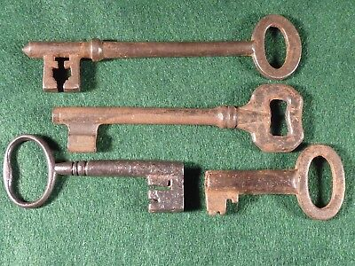 Collection of 4 x Antique Steel / Iron Key