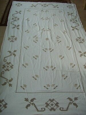 """Tablecloth 93""""(237) x 56""""(143cms) Gorgeous off white Hearts and floral shapes"""