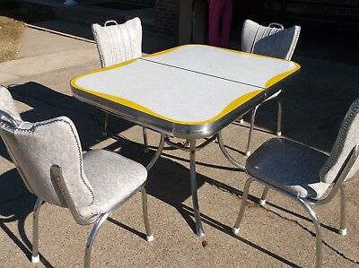 Vintage 1950s Kitchen Table and Chairs With Leaf