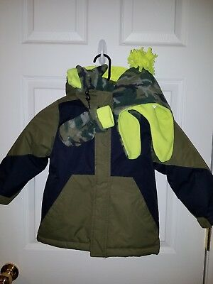 Boys 2-in-1 winter coat size 5t The Children's Place with matching hat and...