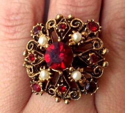 Stunning Vintage Estate Gold Tone Red Rhinestone Floral Size 6 Ring!!! 9011T