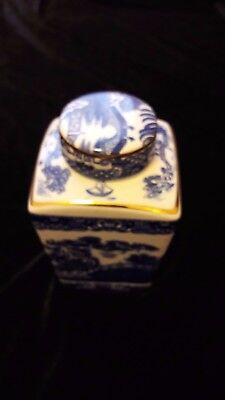 Tea Caddy 1991 - Blue & White Willow Pattern by Wade