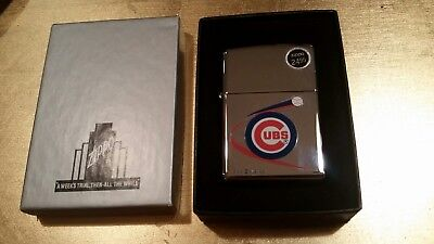 ZIPPO Chicago Cubs Baseball Polished Chrome Lighter